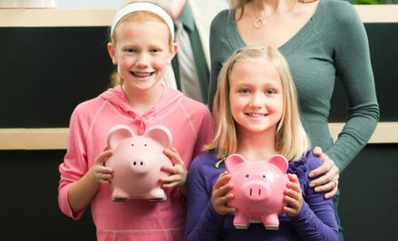 Guide on teaching kids under 12 and tweens about-money