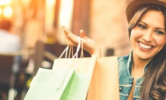 Travel-and-credit-cards-woman-shopping-optimised