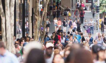 Australian consumers surprise economists