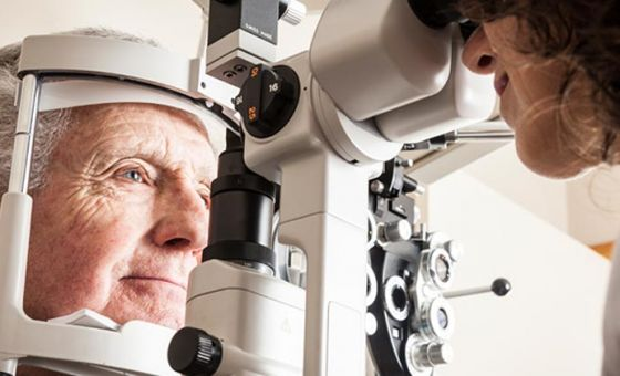 Optometrists have called on the government to reverse its 2015 funding cuts to preventative eye care under Medicare, in the 2016 Federal Budget.