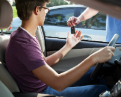 Young drivers increase car insurance