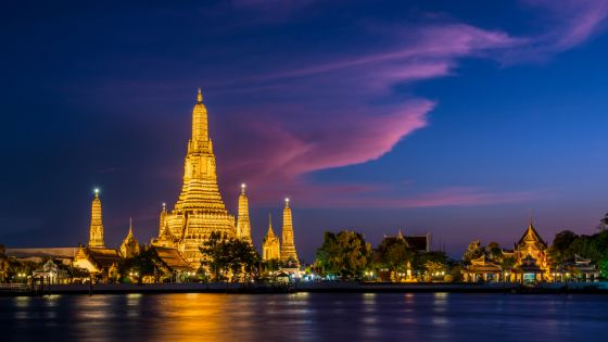 Wat Arun temple is the famous sightseeing place in Bangkok, Thailand