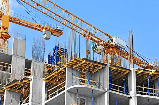 Banks-are-pulling-back-on-lending-to-construction