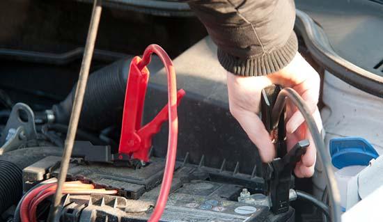 Roadtrip-checklist-Bring-a-vehicle-safety-kit