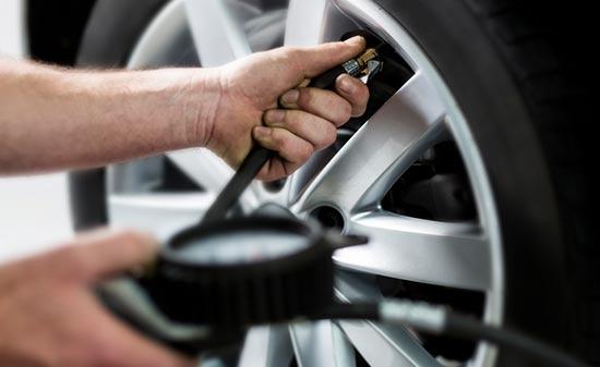 Roadtrip-checklist-Check-your-tyres